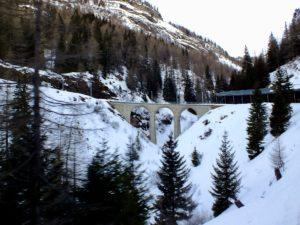 Zugfahrt in der Schweiz